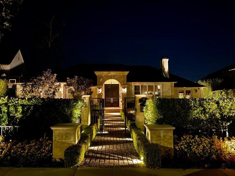 House illumination and landscape lighting